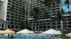 Halekulani ハレクラニ 滞在記:プール&特典編 世界へBon Voyage - Japan & Luxury Travel Advisor – luxurytraveltojapan.com - #Luxuryhotels #Honolulu #Waikiki #Halekulani