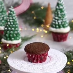 These Santa hat cupcakes are easy to make, make with your favorite cake recipe and with Homemade Icing. They make a great Christmas Party Treat. These Santa Hat Chritmas cupcakes are Christmas desserts that kids will love Christmas Cupcake Flavors, Christmas Cupcake Toppers, Christmas Cupcakes Decoration, Christmas Tree Cupcakes, Holiday Baking, Christmas Desserts, Christmas Treats, Christmas Baking, Holiday Treats