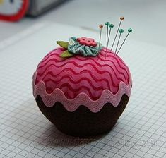 Cupcake w/ric rac (pinchusion or not) using sewing machine instead of by hand!