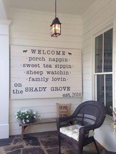 Cool 55 Insane Farmhouse Porch Decorating Ideas https://bellezaroom.com/2018/02/21/55-insane-farmhouse-porch-decorating-ideas/