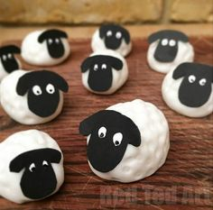 Simple and easy to make fondant sheep - a great Easter cake or Easter treat decoration idea. Make them from fondant icing or marzipan in minutes.
