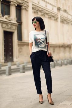 Animal print stilettos as seen on Ana Morodan. Street Style Summer, Work Looks, Spring Outfits, Tees, Shirts, Style Inspiration, Fashion Bloggers, Stilettos, Black