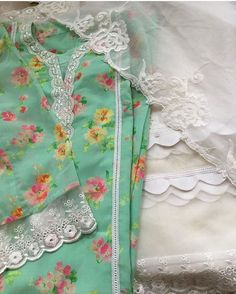 Neck Designs For Suits, Sleeves Designs For Dresses, Dress Neck Designs, Stylish Dress Designs, Pakistani Dresses Casual, Pakistani Dress Design, Pakistani Fashion Casual, Indian Fashion, Embroidery Suits Punjabi