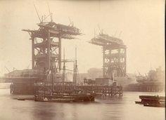 Foto del Tower Bridge de Londres en contrucción en 1880. Vía Twitter @Estructurando  #Ingeniería