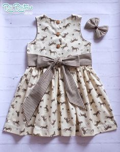 Kids Party Wear Dresses, Kids Dress Wear, Little Girl Dresses, Cotton Frocks For Girls, Kids Frocks, Sewing Kids Clothes, Baby Clothes Patterns, Kids Dress Collection, Baby Frock Pattern