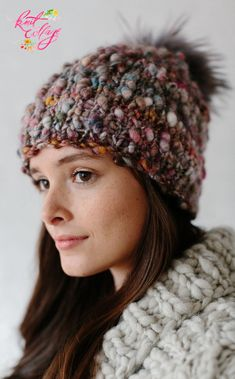 Looking for the perfect slouch hat? This FREE one skein hat pattern is perfect for newbie knitters trying to combat those cold weather days! Made with our chunky handspun Cast Away yarn, the Perfect Slouch hat by Knit Collage (color Nomad shown here). Knit Hat Pattern Easy, Easy Knit Hat, Chunky Knitting Patterns, Knitted Hats, Crochet Hats, Hat Patterns, Free Knitting, Slouch Hats, Knitting Bags