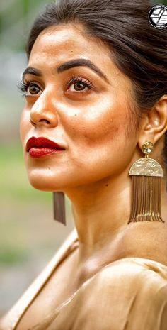 South Indian Actress Hot, Indian Actress Hot Pics, Indian Actresses, Bollywood Girls, Bollywood Actress Hot, Shamna Kasim, Desi Models, Nice Face, Asdf