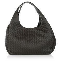 You are looking for a timeless classy keypiece: you will love this elegant Bottega Veneta. Wear the iconic handbag with super chic office looks or combine it with sporty sneakers with the brands assortment.  Fashionette.de