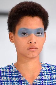 CHANEL | Fashion Eyeliner 2016 | Confesiones de una Casual girl | #fashion #beauty #trends #makeup #eyeliner #runway #maquillaje #moda #belleza #tendencias #pasarelas #blog