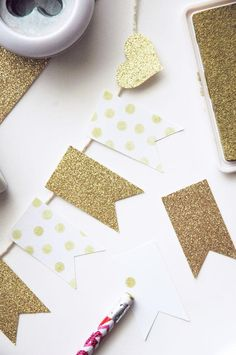 DIY mini gold banner. Super cute for a party! #party #banner #gold
