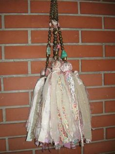 Borlas Decorativas Colgantes Thread Crochet, Diy Crochet, Sisal, Fabric Crafts, Sewing Crafts, Mobiles, Tassel Curtains, How To Make Tassels, Shaby Chic