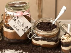 Homemade Dirt Cake:: less processed ingredients Vanilla Bean Cheesecake, Cheesecake In A Jar, Vanilla Cake, Dirt Cake, Mason Jar Desserts, Great Desserts, Southern Banana Pudding, Icebox Desserts, Salted Caramel Brownies