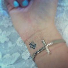 Menores de Borboleta no Pulso da Tatuagem