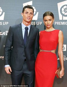 Real Madrid superstar Cristiano Ronaldo has revealed his girlfriend Irina Shayk has a crazy obsession with his boxers and takes them all the time. Cristiano Ronaldo Cr7, Cristiano Ronaldo Girlfriend, Cristino Ronaldo, Claudia Schiffer, Top Models, Irina Shayk Style, The Jonathan Ross Show, Soccer Guys, Russian Models