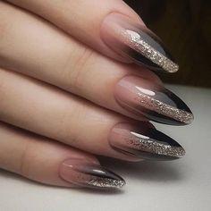 Semi-permanent varnish, false nails, patches: which manicure to choose? - My Nails Stylish Nails, Trendy Nails, Cute Nails, Grey Nail Designs, Fall Nail Designs, Gray Nails, Gradient Nails, Nagel Gel, Creative Nails