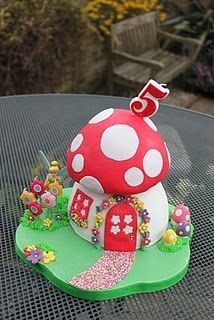 Fairy party toadstool cake