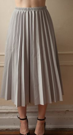 0598719d1 Vintage 1970s grey handmade accordion pleated a-line maxi polyester skirt -  $27