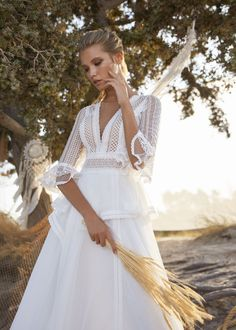 Lace Wedding Dress, Long Sleeve Wedding, Wedding Bride, Wedding Gowns, Rembo Styling, Fascinator, Boho Look, Hippy, Dresses With Sleeves