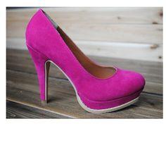 zapatos  de  tacon estilo de elegante de color como en la foto