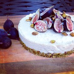 Fig & Pistachio Coconut Cheesecake: a show-stopping dessert in 20 minutes (raw, vegan).