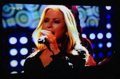 NEWS: A special performance by Anastacia was aired today at the Die ultimative Chart Show, in Germany, with the song « Paid My Dues ». This show was recorded last year. There was also an interview.  - photo via Lisa