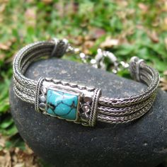 A timeless blend of traditional and modern style, combining Turquoise and Sterling Silver with remarkable handcrafted skill.