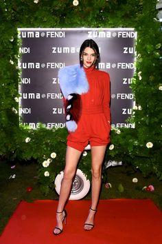 Kendall Jenner à la soirée Fendi à Rome http://www.vogue.fr/mode/inspirations/diaporama/les-meilleurs-looks-de-la-semaine-mars-2016/26409#kendall-jenner-a-la-soiree-fendi-a-rome