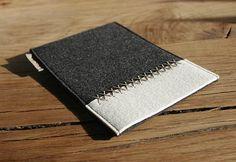 iPad mini Filz Tasche anthrazit und wollweiß von werktat auf DaWanda.com