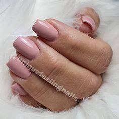 #nagelstudio #nürnberg #shortnails #nudenails #nude #gelnails #glitternails #nagelinspiration #nageldesign #nailart #nailpolish #nailstagram #nagelinspiration #mattenails Kelly Osbourne, Katy Perry, Nail Polish, Nude Nails, Nailart, Glitter, Hairstyle, Ferrari, Nail Studio