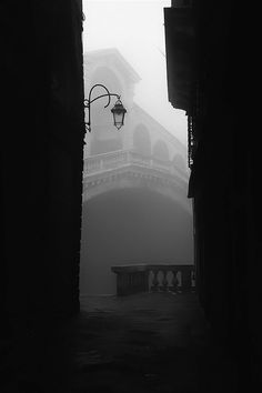 Rialto, Venice - this must have been shot very early in the morning, as it is usually crawling with tourists.