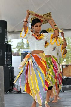 Traditional Sri Lankan harvesting dance http://www.travelbrochures.org/41/asia/breathtaking-sri-lankan-holidays