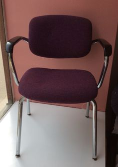 lilaverhoiltu tuoli . 6 kpl