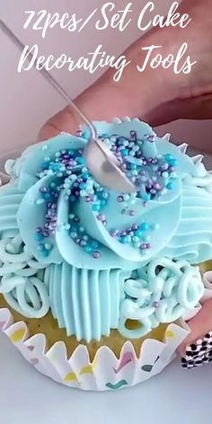 Cake Decorating Frosting, Cake Decorating Videos, Cake Decorating Techniques, Fancy Cupcakes, Birthday Cupcakes, Icing Tips, Frosting Recipes, Cupcake Cake Designs, Cupcake Cakes