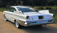 1960 Dodge Polara with Grand Fins! American Classic Cars, American Muscle Cars, American Pride, Vintage Cars, Antique Cars, Dodge Vehicles, 1960s Cars, Automobile, Dodge Chrysler