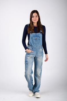 Daisy Womens Denim Dungarees - Designed to be roomy and slightly slouchy they are perfect for layering. Denim Dungarees Outfit, Ladies Dungarees, Dungaree Skirt, Denim Skirt, Overalls, Prom Dresses Long Pink, Formal Dresses For Teens, Backless Prom Dresses, Trousers