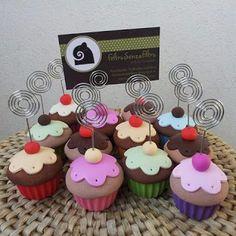 FeltroSenzaFiltro: Dolci Porta Foto in Fimo Cupcakes, Cupcake Cakes, Fondant, Fake Cake, Pasta Flexible, Cold Porcelain, Miniature Food, Clay Creations, High Tea