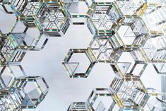 Swarovski debuts at Dubai Design Week 2016 with a mesmerizing specially commissioned outdoor installation by Emirati designer Zeinab Al Hashemi. An outdoor installation, titled HEXALITE designed around the geometric and mathematic repetition of the number 3.