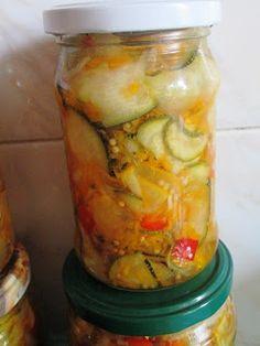 Kuchnia Dzieciaków: Kolorowa sałatka z cukinii na zimę - PRAWDZIWY PRZEBÓJ