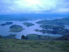 "Lake Bunyonyi (""Place of many little birds"") lies in south western Uganda between Kisoro and Kabale close to the border with Rwanda. Located at 1,962 m above sea level, it is about 25 km long and 7 km wide. The depth of the lake is rumored to vary between 44 m and 900 m."