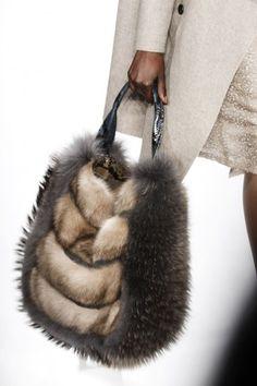 anbenna: Dennis Basso - The Velvet Collection Fashion Handbags, Purses And Handbags, Fashion Bags, Fur Purse, Fur Bag, Fur Accessories, Fabulous Furs, Fur Fashion, Beautiful Bags