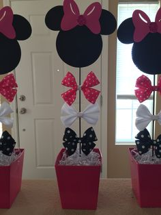 Minnie Mouse Birthday Centerpieces