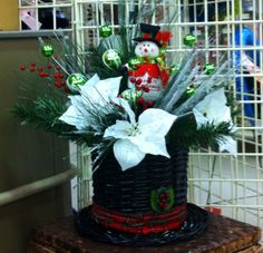 Frosty the snowman top hat arrangement. Christmas 2013. Laura A. Michaels Tulsa (3864)