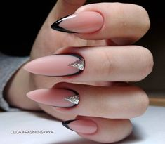 There are three kinds of fake nails which all come from the family of plastics. Acrylic nails are a liquid and powder mix. They are mixed in front of you and then they are brushed onto your nails and shaped. These nails are air dried. Almond Acrylic Nails, Best Acrylic Nails, Acrylic Nail Designs, Perfect Nails, Gorgeous Nails, Pretty Nails, Nude Nails, Nail Manicure, Gel Nails