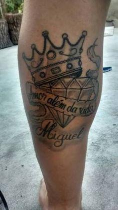 tatuagens com nomes de filhos e desenhos - Pesquisa Google Leg Tattoos, Tattoos For Guys, Tatoos, Skull Tattoo Design, Tattoo Designs, Alex Tabuns, Smoke Animation, Money Tattoo, Cool Piercings