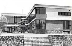 Casa Enriquez, Avenida de las Palmas, Lomas de Chapultepec, México DF 1954    Arq. Pedro Ramírez Vázquez    Foto: Armando Salas Portugal