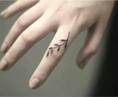 finger mini tattoo vine inspirational tattoos 69 Mini Tattoo Ideas With Meanings Revealed for 2019 - Be Trendsetter Mini Tattoos, Flower Tattoos, New Tattoos, Body Art Tattoos, Small Tattoos, Tattoos For Guys, Tatoos, Thumb Tattoos, Finger Tattoo Designs