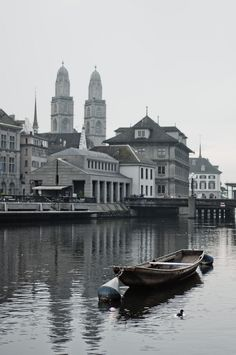River Limmat in Zürich | Switzerland (by Vaidotas Miseikis)