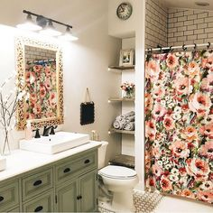 Introducing Gorgeous Small Bathroom Decor Ideas fine From time to time, all you have to make them feel welcome is some little suggestions for your guest bathroom. It is possible to also test out your dec. Bad Inspiration, Bathroom Inspiration, Painting Inspiration, Ideas Baños, Decor Ideas, Decorating Ideas, Design Living Room, Vinyl Decor, Wall Decor