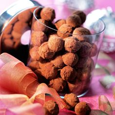 Truffes chocolat noisettes Food C, Diy Food, Food Photography Styling, Food Styling, Truffles, Dog Food Recipes, Biscuits, Cereal, Almond