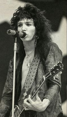 tom keifer, legend with guitar and voice 80s Metal Bands, 80s Hair Metal, Hair Metal Bands, Cinderella Band, Glam Metal, Music Pics, Music Photo, 80s Music, Carl Thomas